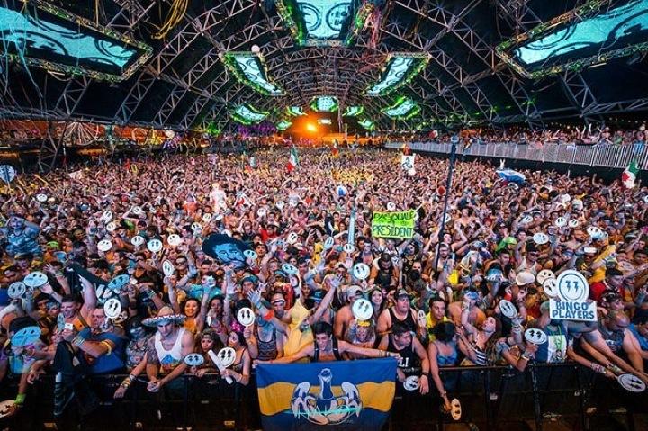 Фотографии и цифры с EDC Las Vegas