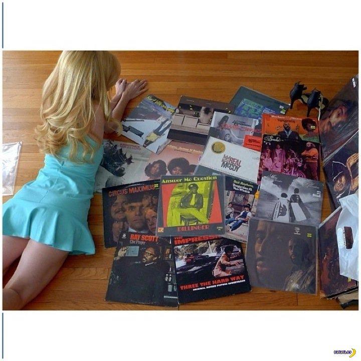 Девушка и её пластинки