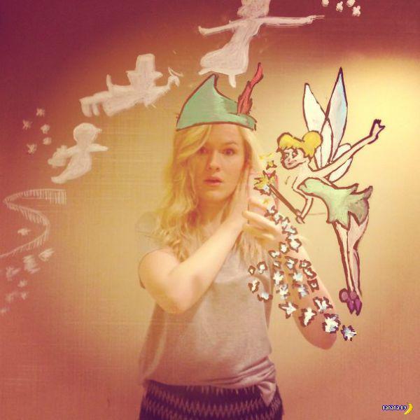 Девочка божит с селфи