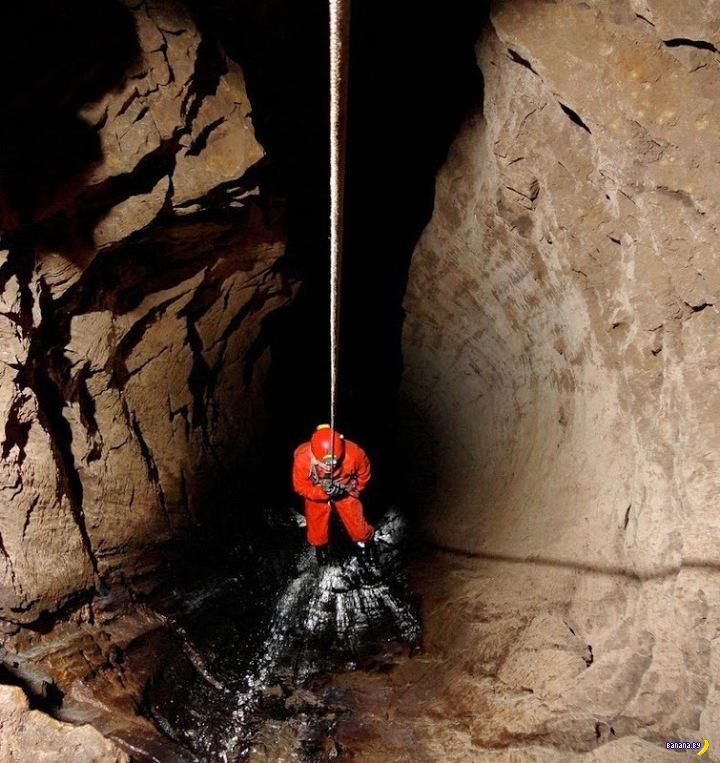 Крубера-Воронья - самая глубокая пещера в мире