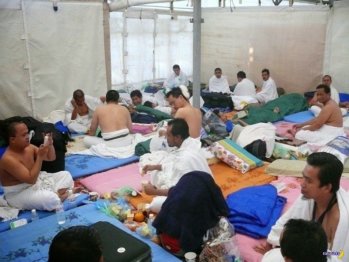 Мина - палаточный город с кондиционерами