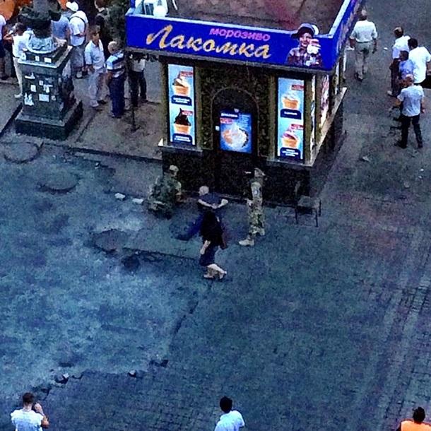 А тем временем с Майдана убирают Евромайдан
