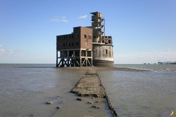 А кому форт на Темзе?