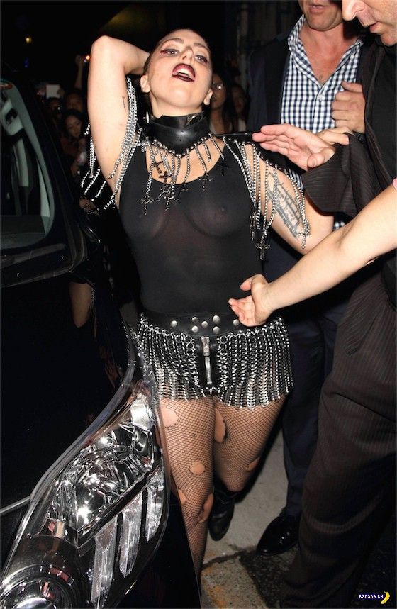 Леди Гага пострашнела и пополнела