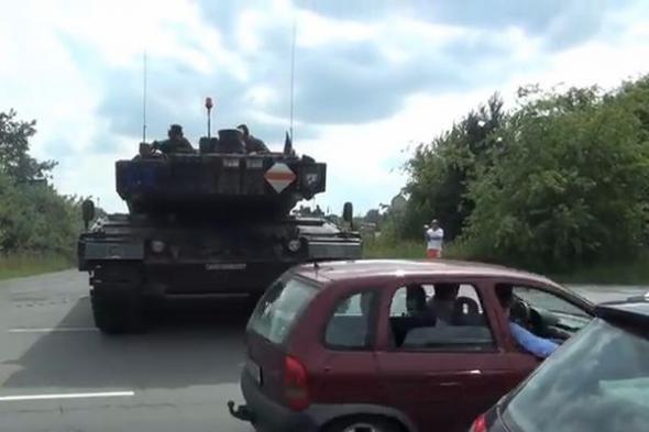 Немецкая хунта ввела танки на Украину