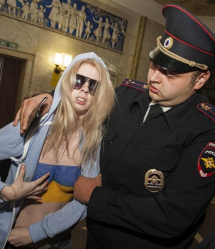 Поддельный FEMEN!