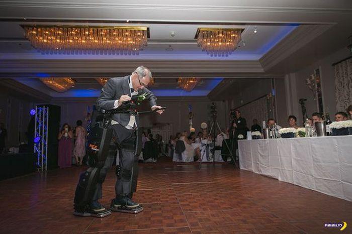 Парализованный встал и пошел на свадьбе дочери
