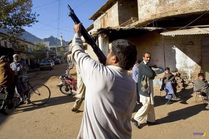 Дарра Адам Кхел: деревня оружейников-нелегалов