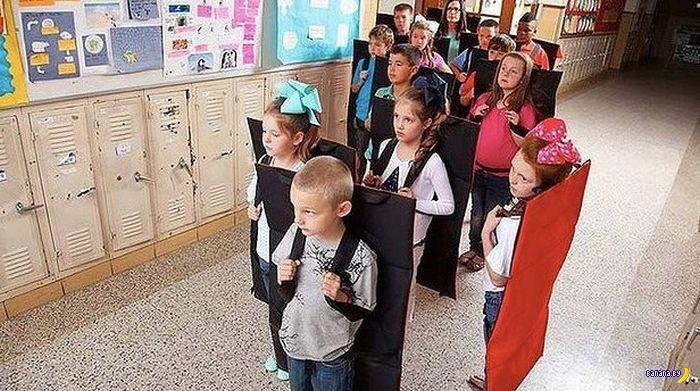 Бронерюкзаки пропихнули в американские школы