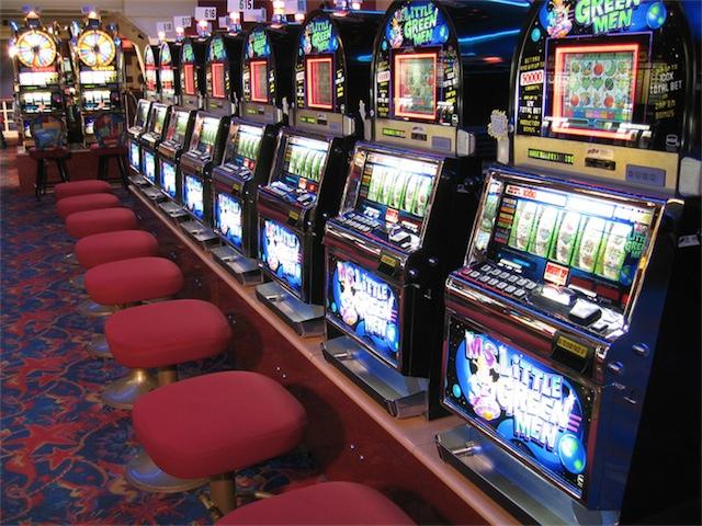 Игровые автоматы процветают в Интернете