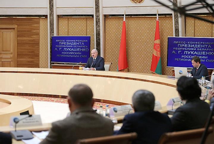 Лукашенко намекнул про выборы 2015