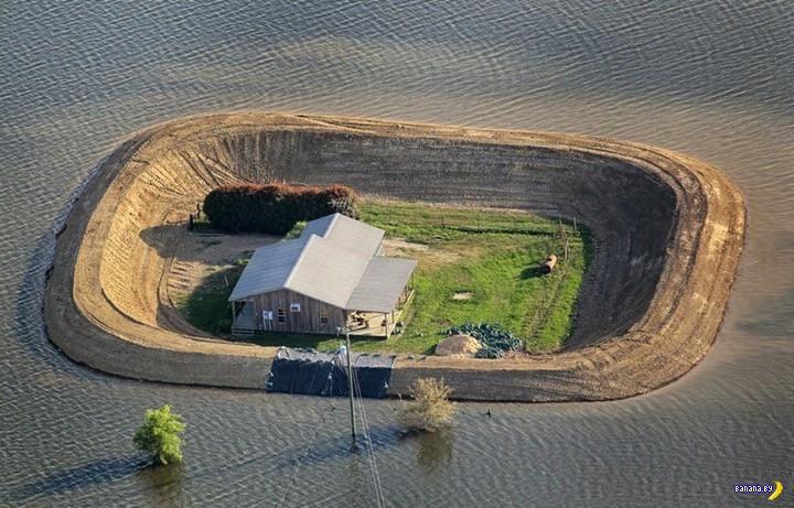 Дома-острова во время разлива Миссиссиппи