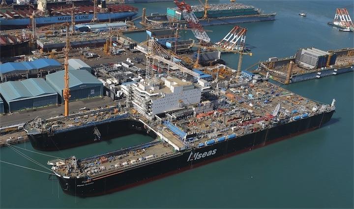 Заканчивается строительство самого большого судна в мире