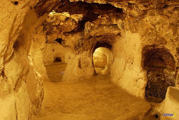 Нашел подземный город делая ремонт дома
