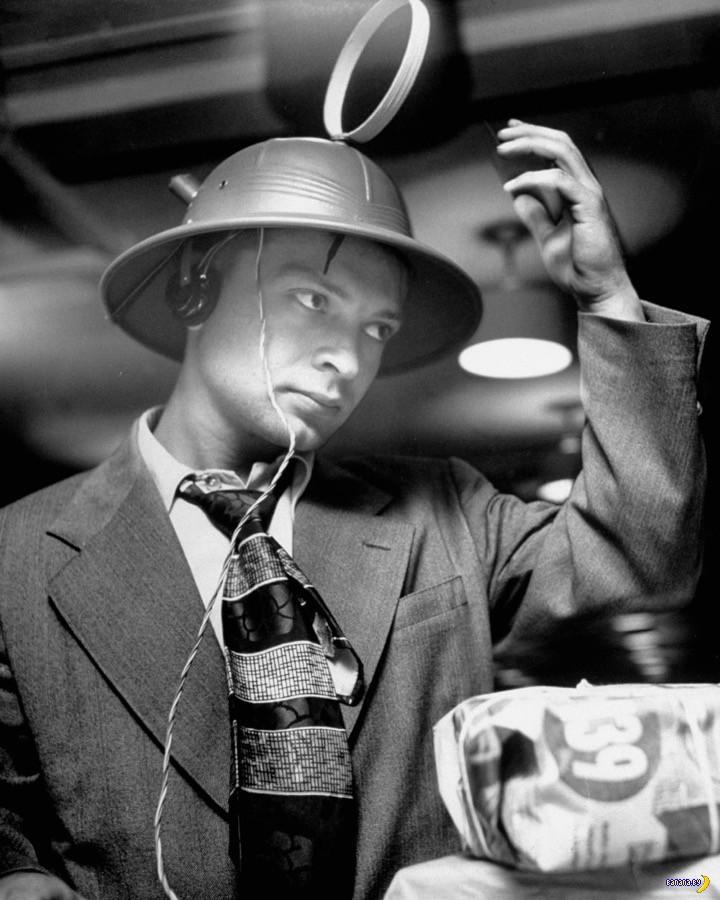 Портативное радио из 1949 года