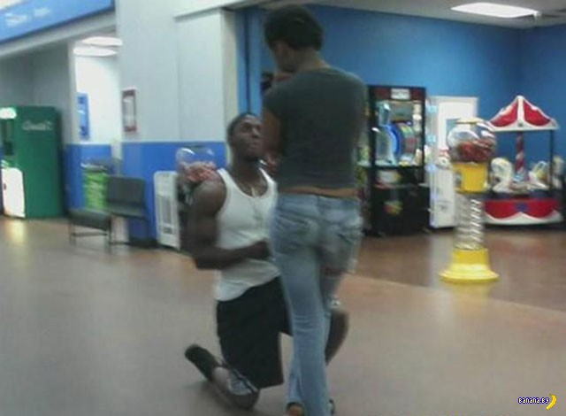 Яркие модники из Walmart