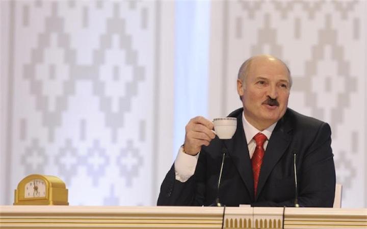 Лукашенко запретил девальвацию