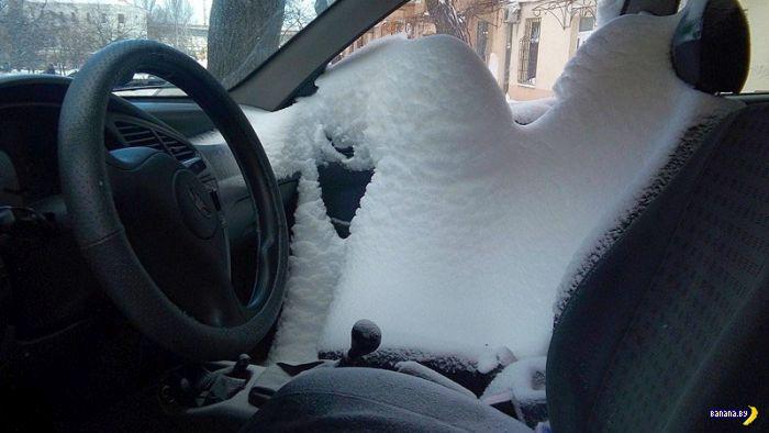 Щелочка и снег