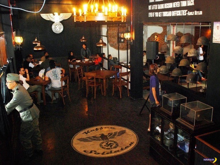 Нацистский ресторан Soldatenkaffee в Индонезии