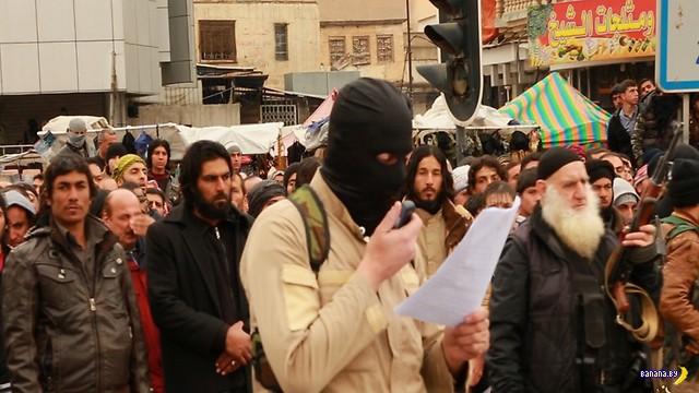 Снова ИГИЛ сбрасывает с высоты геев