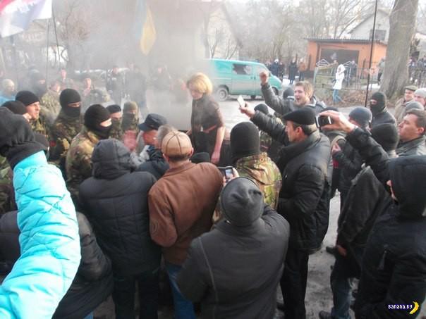 На Украине всё еще люстрируют