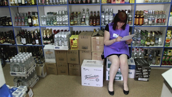 Водка в России стала дешевле