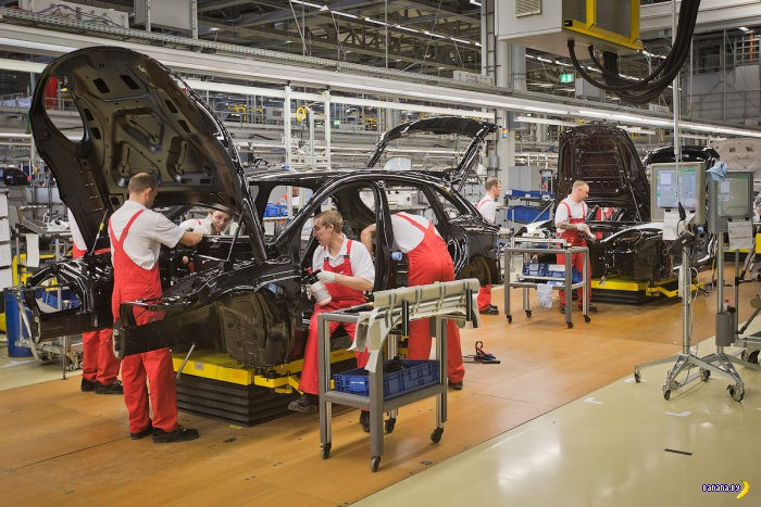 ЛеАЗ - Лейпцигский Автомобильный Завод