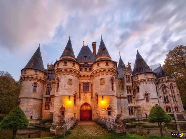 Приличный замок почти даром!