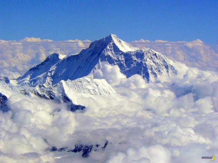 Загадили Эверест!