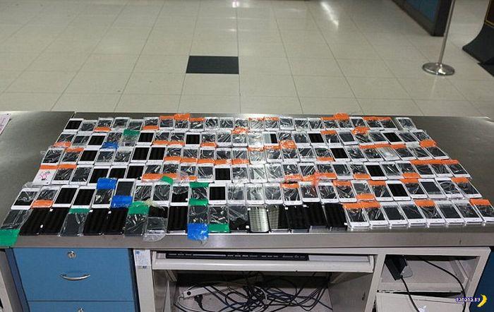 Очередной контрабандист и 146 iPhone