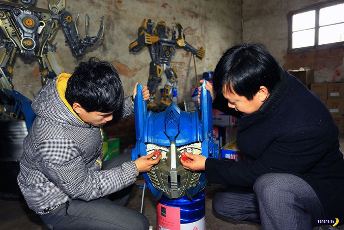 Китаец собирает в гараже армию Трансформеров