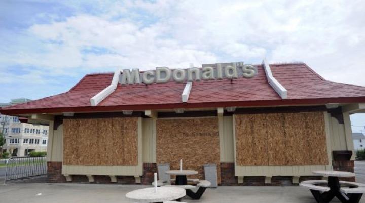 Великий и могучий Макдональдс пошатнулся!