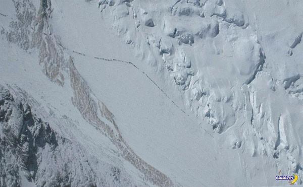 Эверест убил несколько десятков туристов за раз