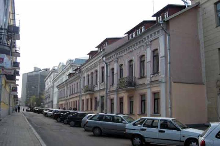 В центре Минска вводят платные парковки