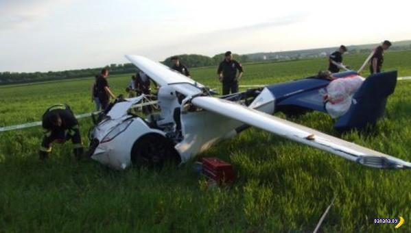 Долетался летающий автомобиль...