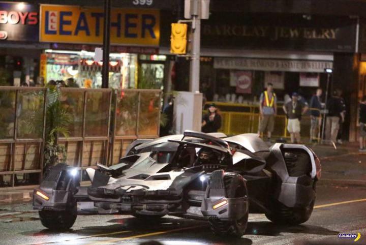Снова Бэтмобиль!