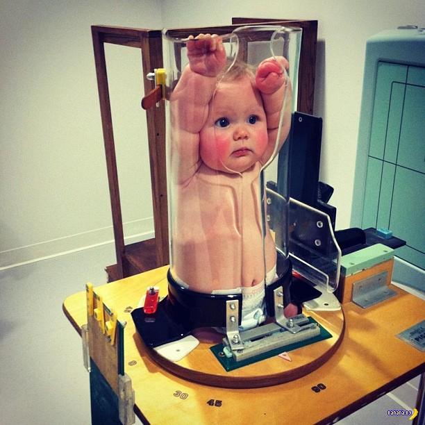 Загадочное фото – кто посмел мучать ребёнка?!