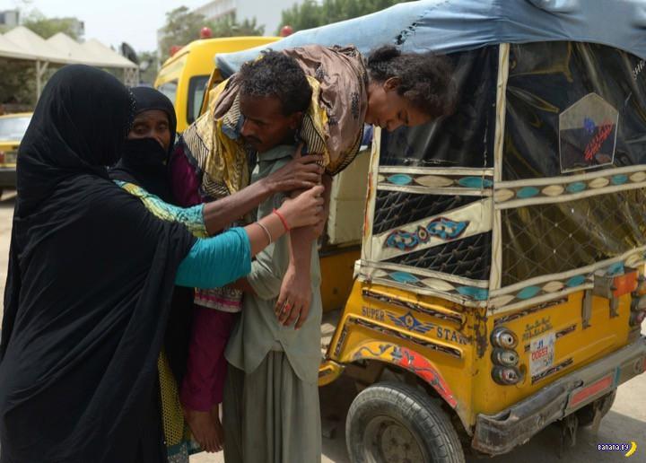 Жара из Индии перебралась в Пакистан