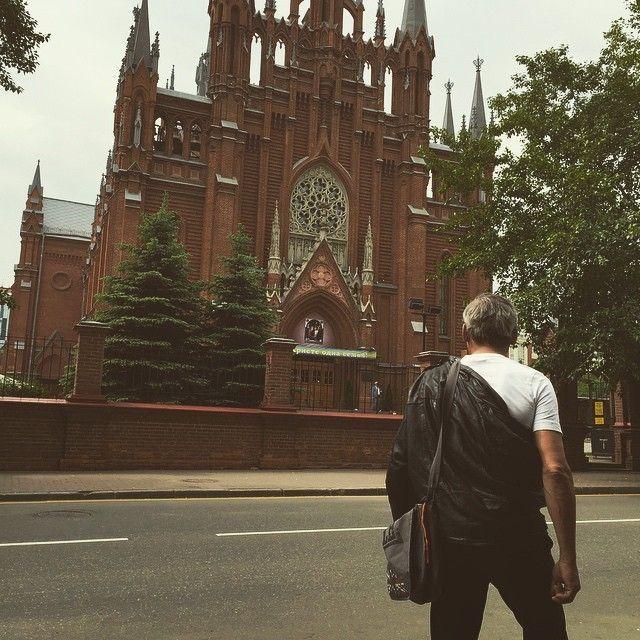 Бомж-блогер ведёт Инстаграм