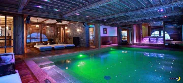 Немного лакшери: крытый бассейн