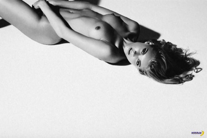 Эльза Хоск в черном и белом