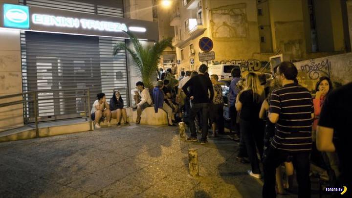 В Греции штурмуют банкоматы