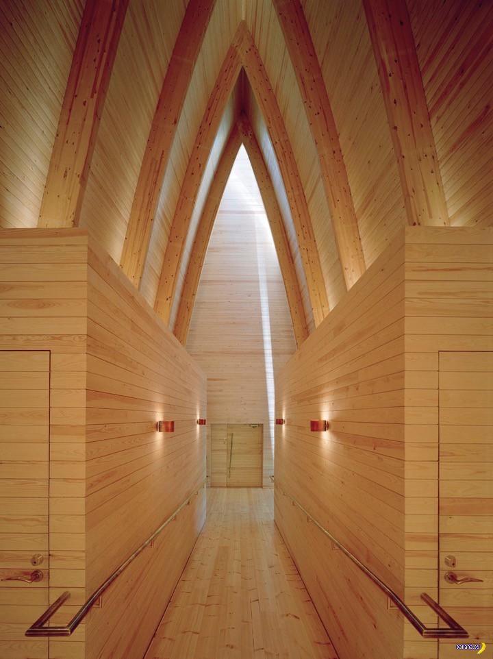 Медь и дерево церкви в Финляндии