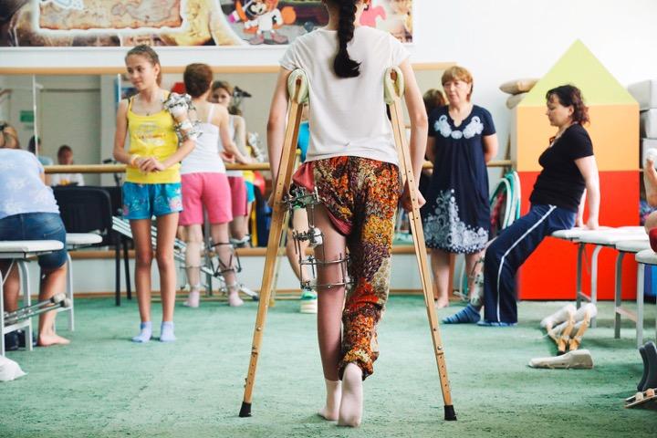 Как девушки ломают себе ноги для красоты