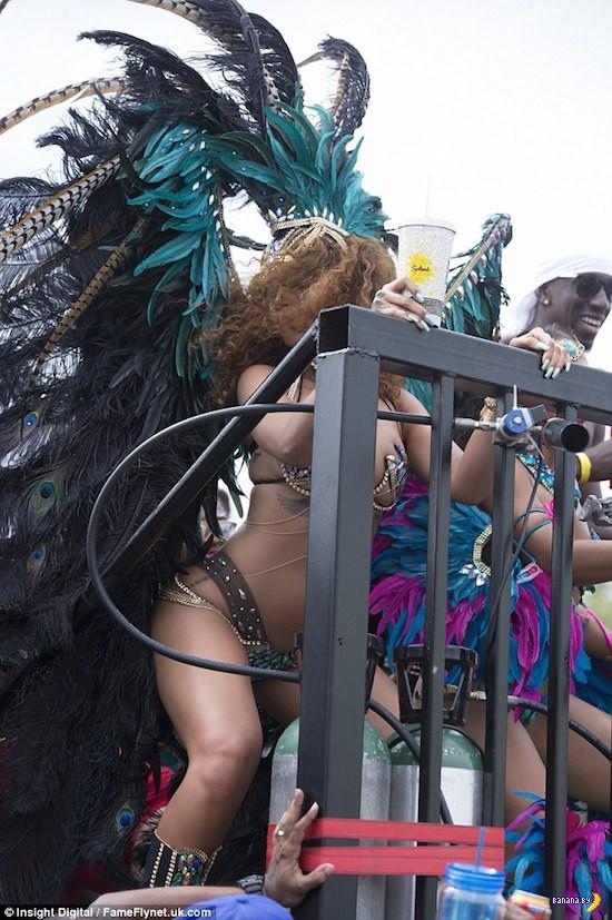 Рианна посетила Барбадос с официальным визитом