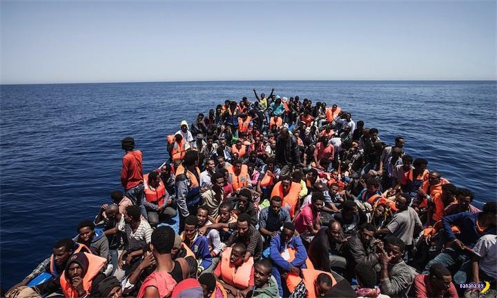 Ливийская шхуна с беженцами не доплыла до Италии