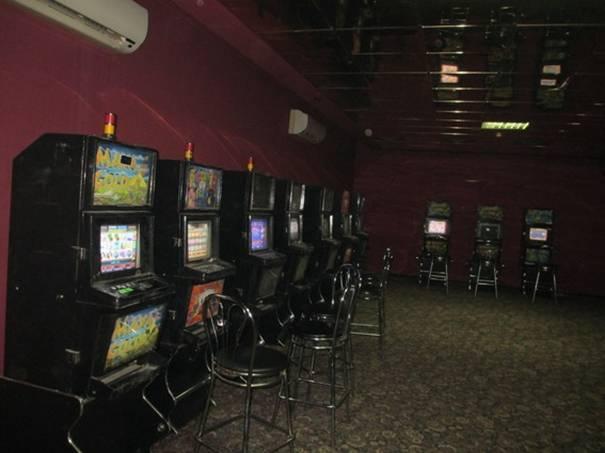 В Росси до сих пор закрывают залы игровых автоматов