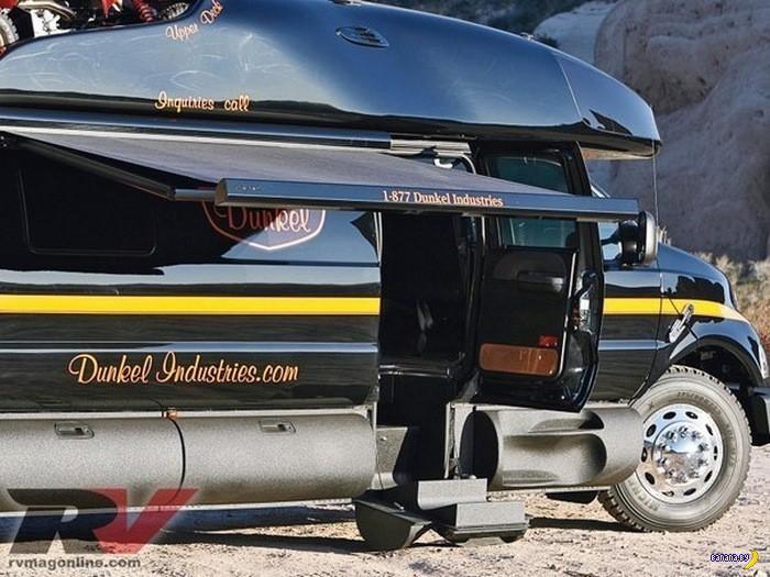 Ford F-750 - яхта на колёсах