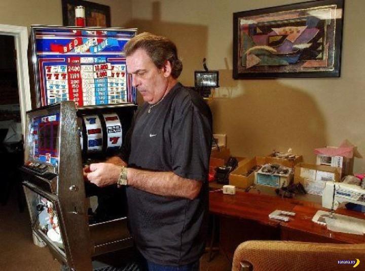 Легендарный Томми - потрошитель автоматов