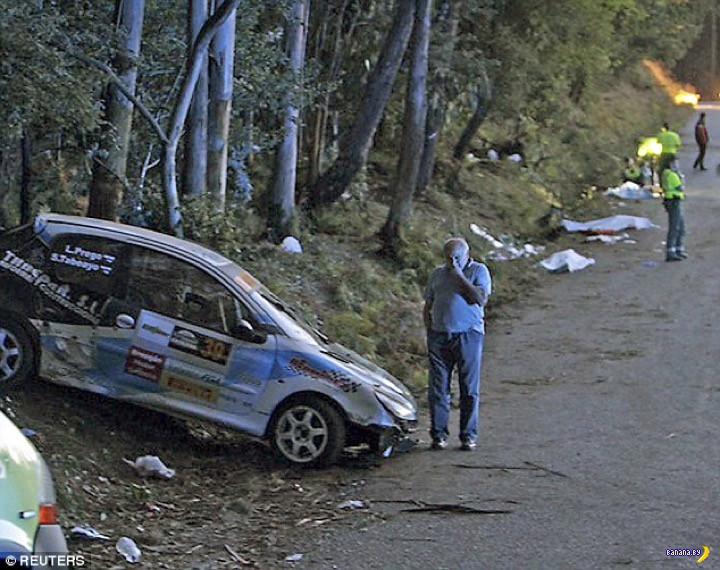 Машина улетела в зрителей на ралли в Испании